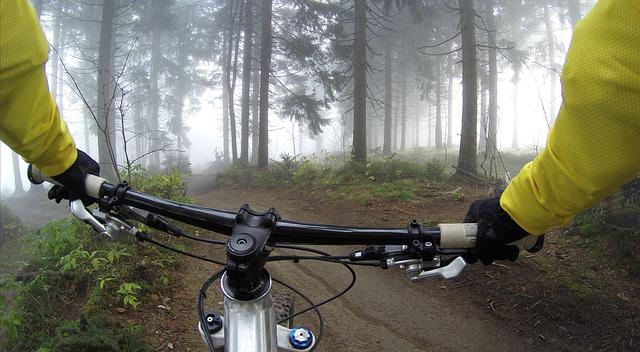 ruce cyklisty