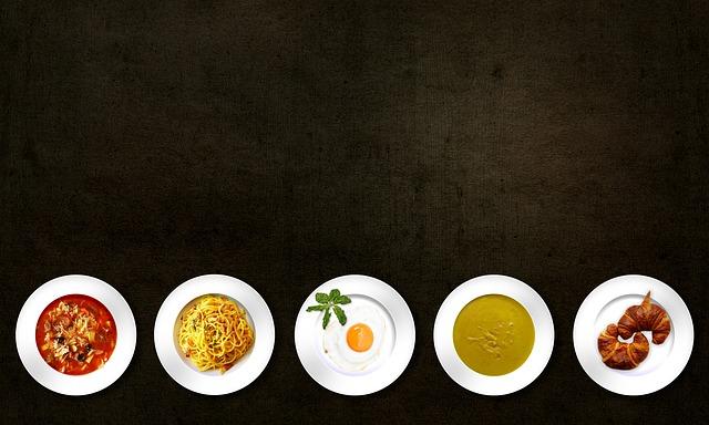 sestava různých jídel