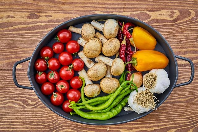 Ovoce, zelenina, žampiony, keto dieta.